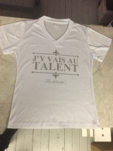 Personnalisation d'un tee-shirt femme cintré